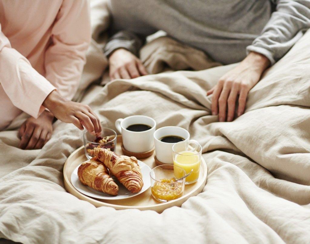 6 продуктов, которые не дают вам спать, по словам диетолога