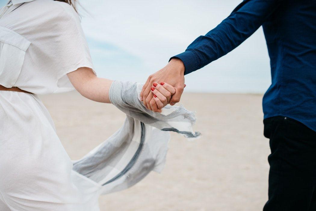 5 причин, почему мы выбираем неправильных партнеров и остаемся в несчастливых отношениях