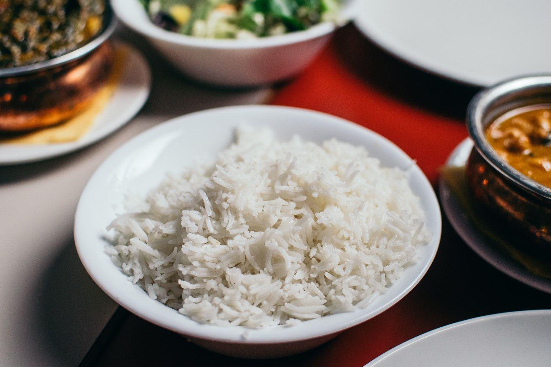 Быстрая готовка: курица в соусе карри с рисом
