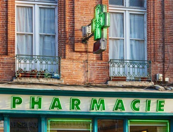 Какую косметику француженки покупают в аптеке