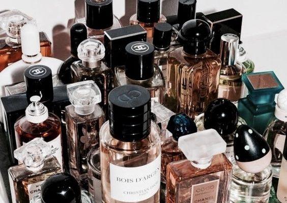 10 зимних ароматов духов, которые согреют вас в холода