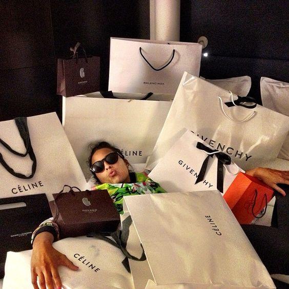 У меня зависимость от шопинга, как бороться с шопоголизмом?