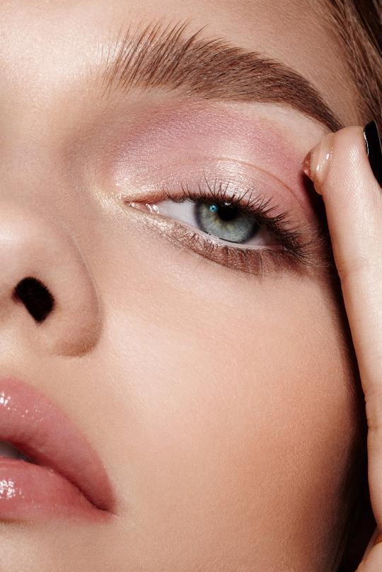 Сыворотки с гиалуроновой кислотой, которые заставят вашу кожу еще больше сиять